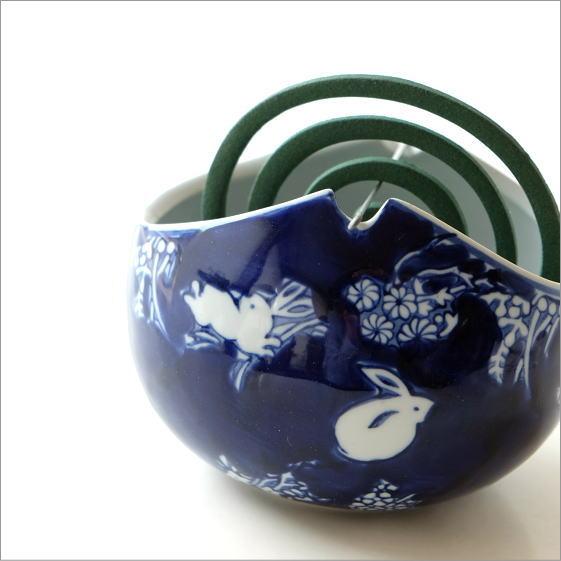 陶器の蚊遣り 藍ウサギ