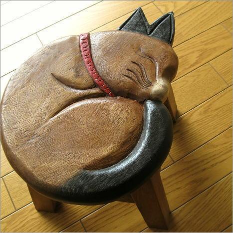 まる猫の木製ミニスツール かわいい 小さい椅子 観葉植物 花台 ミニテーブル 置き台 アジアン雑貨 子供椅子 まる丸ネコさん