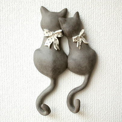 壁掛けフック 猫 キーフック フックハンガー ペアネコのテールフック リボン