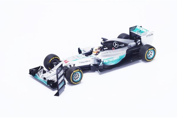 スパーク 1/18 メルセデス F1 W06 Hybrid L.ハミルトン No.44 2015年アメリカGP優勝 World Champion withピットボード