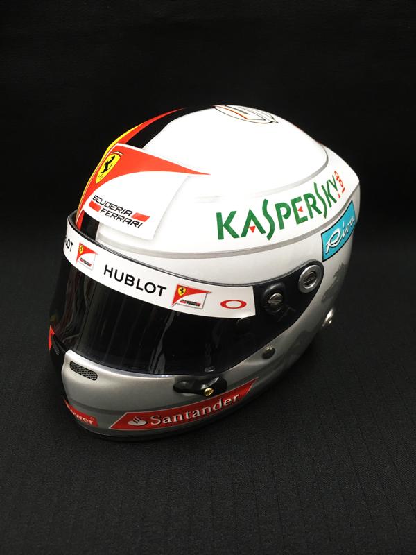フェラーリ 2016 S.ベッテル 1/2 ヘルメット