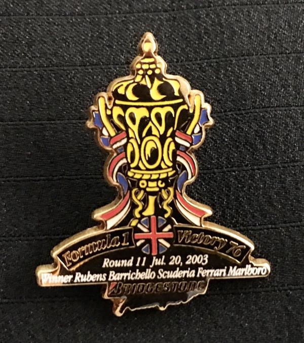 ブリヂストン 2003 F1 イギリスGP 優勝記念ピンバッチ 76勝目  サイズ:縦3.8cm×横3.2cm