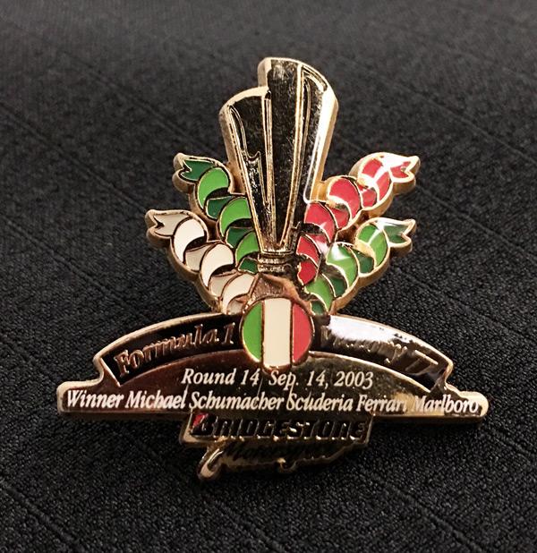 ブリヂストン 2003 F1 イタリアGP 優勝記念ピンバッチ 77勝目  サイズ:縦3.3cm×横3.4cm