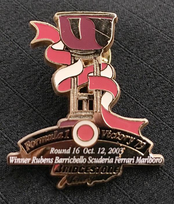 ブリヂストン 2003 F1 日本GP 優勝記念ピンバッチ 79勝目  サイズ:縦3.8cm×横3.2cm