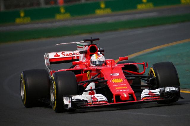 【ご予約商品特典付】ルックスマート (LS18F107)2017年7月発売予定  1/18 フェラーリ SF70H S.ベッテル 2017年オーストラリアGP優勝