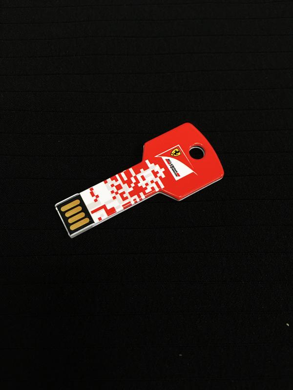 2016 フェラーリ KEY(キー)型USB 8GB