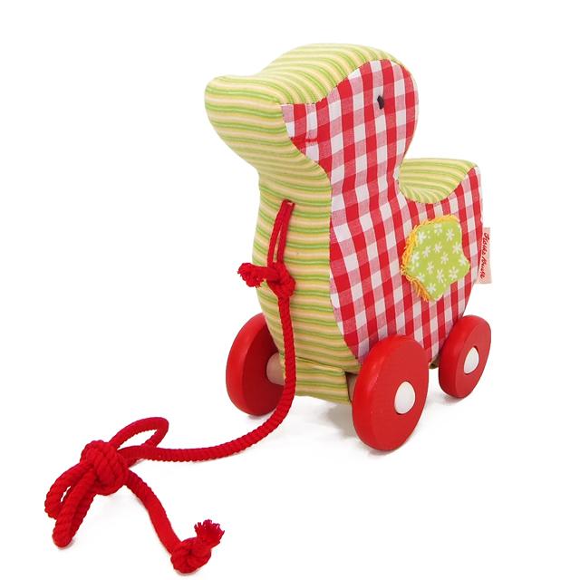 木のおもちゃと出産祝いのグランパパ