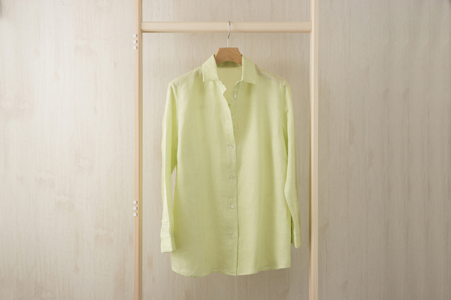 ロング丈のリネンシャツ ライムグリーン Mサイズ