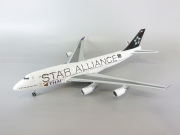 """JC WINGS 1/200 747-400 タイ国際航空 """"Star Alliace"""" HS-TGW With Stand"""