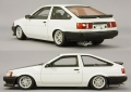 CAM@ 1/43  トヨタ カローラ レビン AE86 スポーツカスタム仕様 1983 ホワイト/カーボン/井桁スポークホイール装着