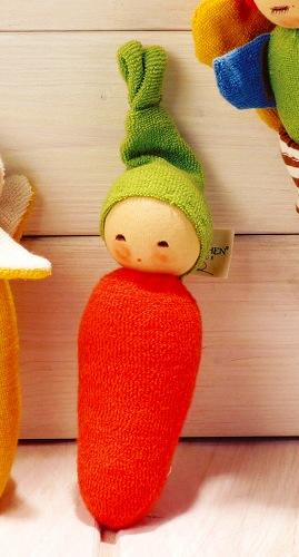 布のおもちゃ ナンヒェン(NANCHEN) ナンヒェン社 NAラトル・キャロット