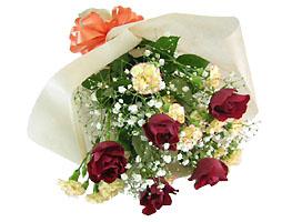 花束赤バラ中心おまかせ