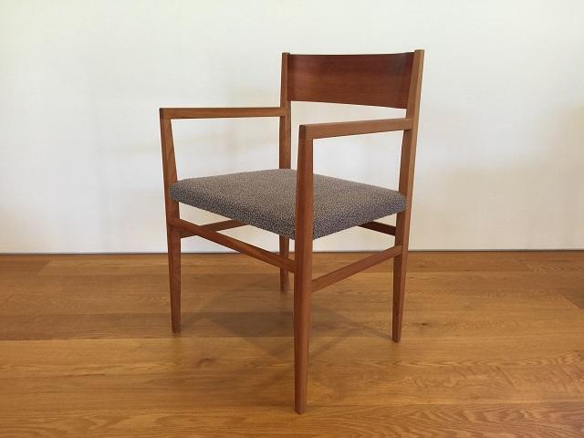 宮崎椅子製作所 menuアームチェア