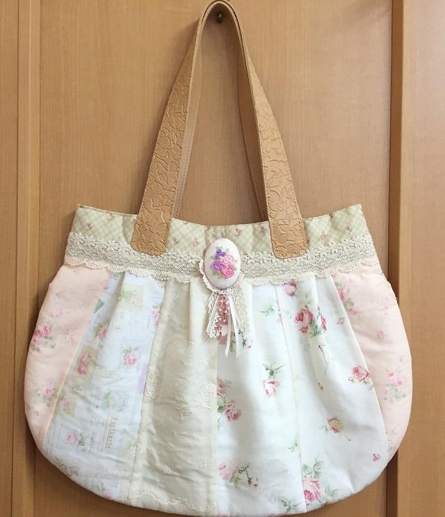 【ハートフィールドオリジナル】【パッチワーク完成品】【バッグ】 優しい色合いの大きめバッグ