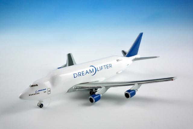 747LCF 1:1000 HOGAN
