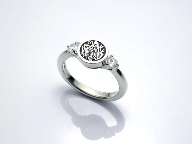 家紋ダイヤモンドリング