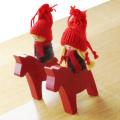 ダーラナホースに乗るトムテ人形オーナメント 男の子/女の子