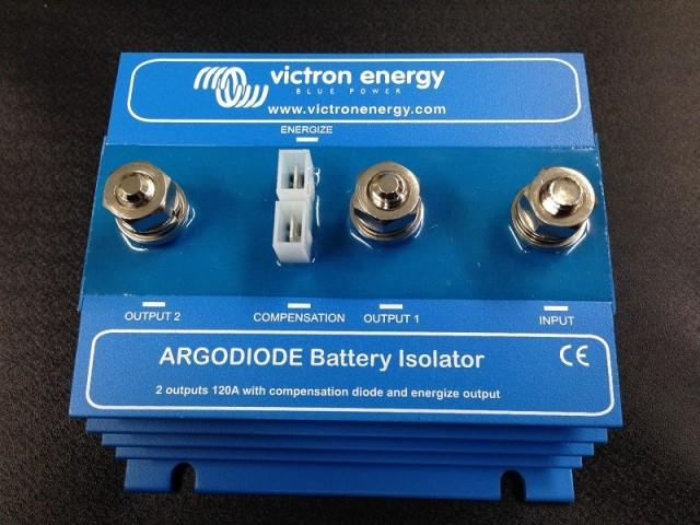 【VICTRON】アイソレーター 120-2AC 充電分配器