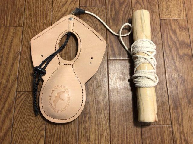 ファルコンルアー: レザールアーパッド ハンドル紐付き Lサイズ