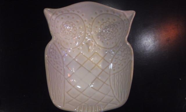 """雑貨"""" フクロウのお皿  陶器製  ホワイト"""