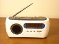 災害時に便利な発電機能付きダイナモAM/FMラジオクロック