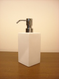 清潔感ある白い陶器が素敵!ソープディスペンサー Sホワイトセラミック