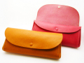 柔らかいレザーと収納力が魅力! レザーボタン長財布ミネルバ