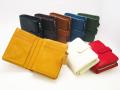 味わいある柔らかい手触りのレザー二つ折りファスナー財布 ミネルバ