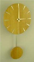 オークの木目が美しい振り子掛け時計 INHOUSE(インハウス) PENDULUM オーク P5O Disc solid oak