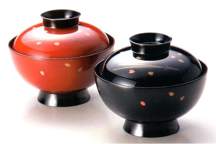 夫婦椀 松葉に桜 朱・黒 【送料無料】 木製 漆塗り ペアの吸物椀