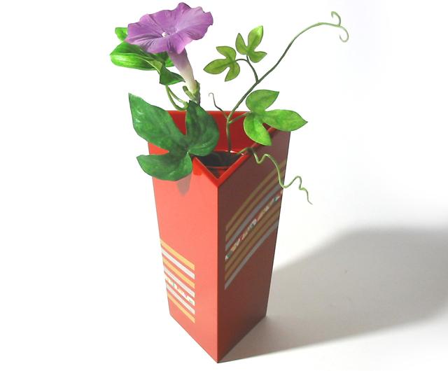 トライアングル花生け(製造中止) 木製 花器 花瓶