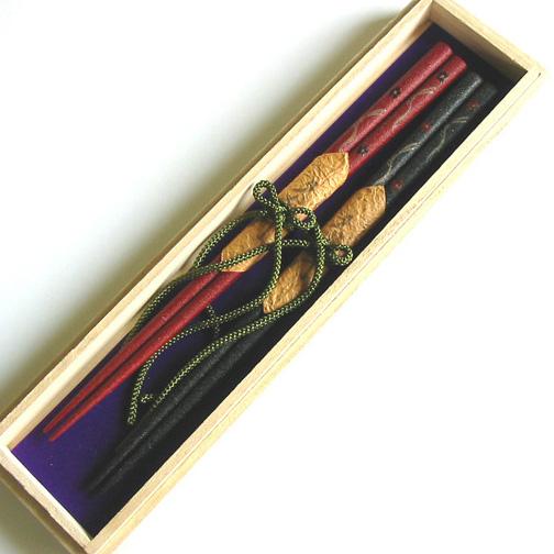 夫婦箸 本乾漆 花うさぎ 桐箱入 木製 漆塗り