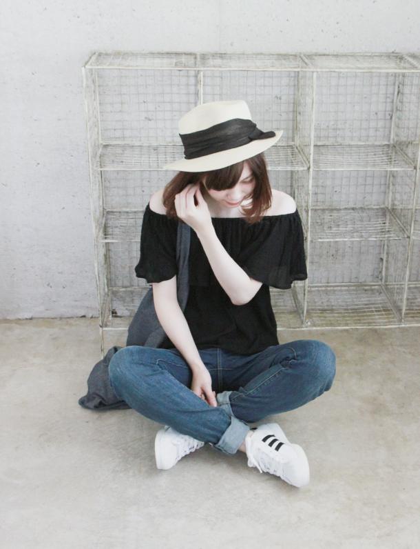 【Belsia Lux】セレブlineリーフパーム柄オフショルWスカラップ上質ミニドレス(白/黒) [bl3016-md]