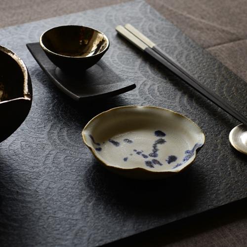 徳山久見子 輪花豆皿(コバルト)