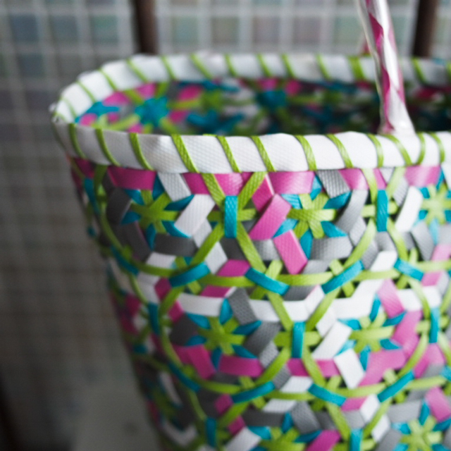 A950 花まる編みのプラカゴ★うまく混ざりました!  L (白×グレー×ピンク×ミントグリーン×黄緑)