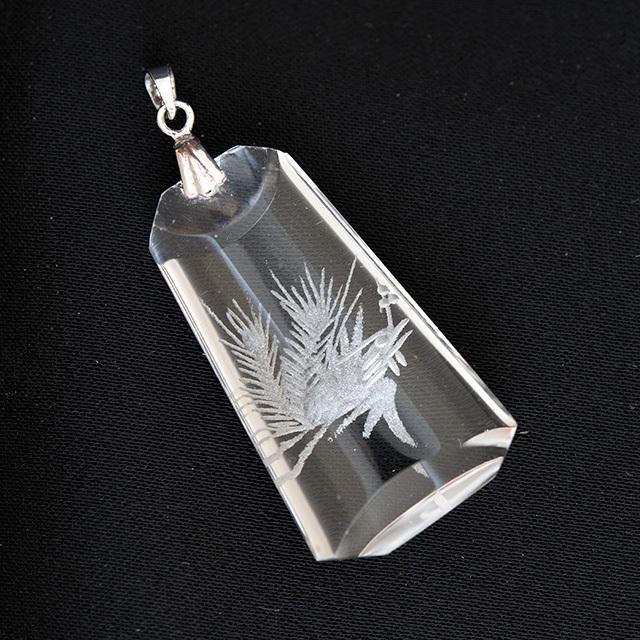 水晶の鳳凰彫刻ペンダントトップ【送料無料】【メール便可】(f20308)