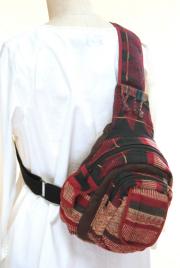 モン族ワンショルダーボディバッグ(レッド)