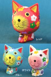 花がらネコの木製置物(レッド/ブルー/ホワイト)