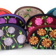 花刺しゅう 化粧ポーチ ヴェトナム製 フラワー刺繍 ドーム型 コスメポーチ 小物いれ