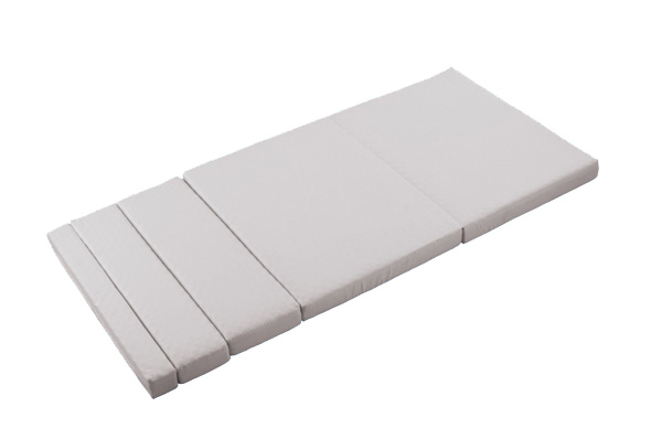 のびのびマットレス = 7段階調節可能!マジックテープでしっかり固定。