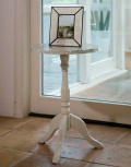 サイドテーブル=天然大理石使用のエレガントなサイドテーブル