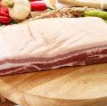 ▲冷凍▼【量り売り】皮付き豚バラブロック1kg■韓国食品■ 0475