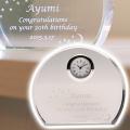 誕生日や還暦祝い・退職祝いの記念品にクリスタル時計 アーチ