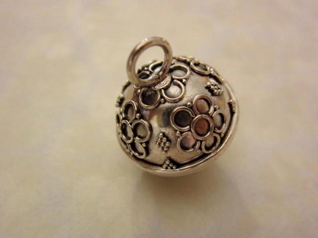 お花の模様のガムランボール(Sサイズ・ジャワンタイプ)GB022