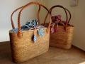 オウルハウスオリジナル アタバッグ(Mサイズ・模様編み・縄編み紐・草木染めバティックチャップ グリーン系/レッド系)AB115