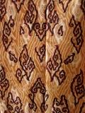 バティック・クロス(バティック・コンビナシ/メガ・ムンドゥン雨雲文様 茶黄色)BT077