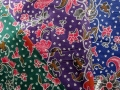 バティック・クロス(チャップ(片面型押し) お花とつる草 ブルー/グリーン/パープル)BT096