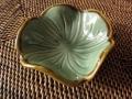 バリ島・タバナン焼き お花の小皿(グリーン)IA037
