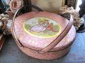 フランスアンティーク ハンドル付きピンクのティンボックス オーバル