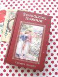 イギリスアンティーク 古書SCHOOLGIRL HONOUR  1919年